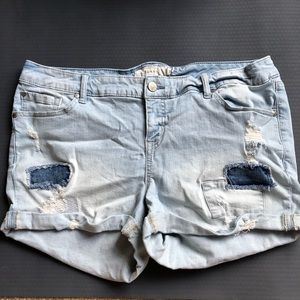 Torrid patched distressed Denim shorts 18